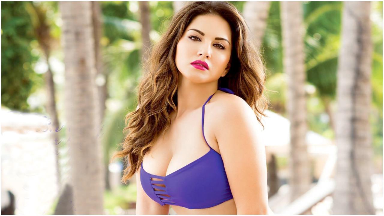सनी लियोन (Sunny Leone) ने शेयर किया पूल में मस्ती भरा वीडियो, सोशल मीडिया पर हुआ वायरल