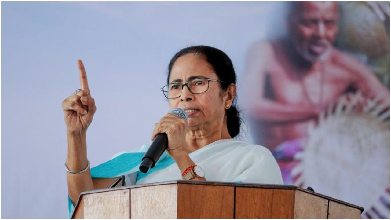 सोशल मीडिया पर बंगाल की सबसे लोकप्रिय नेता बनी हुई हैं ममता बनर्जी : रिपोर्ट