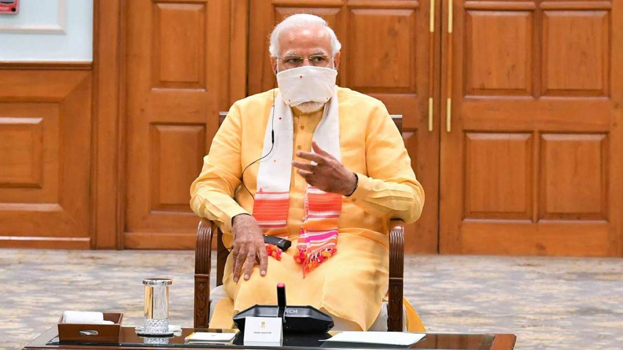कोरोना अभी गया नहीं है, सभी दिशा-निर्देशों का पालन करते रहना है: प्रधानमंत्री नरेंद्र मोदी