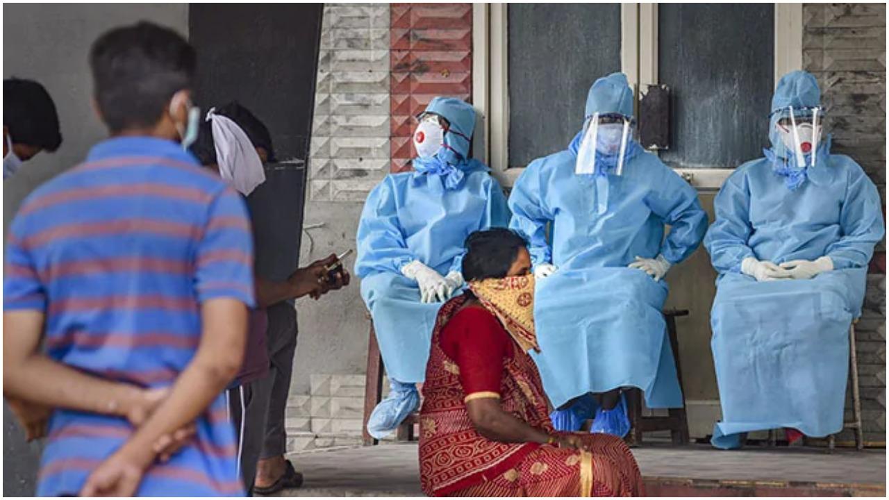 महाराष्ट्र ने टीके की दूसरी खुराक के 15 दिन बाद सफर करने वालों को आरटी-पीसीआर जांच रिपोर्ट से छूट दी