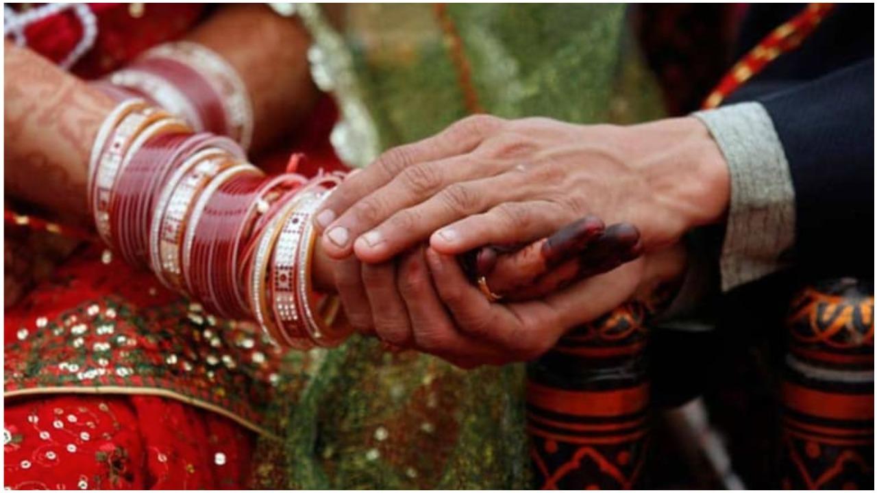 गुजरात विधानसभा ने जबरन धर्मांतरण कराने के मामले में सजा के प्रावधान वाला विधेयक पारित किया