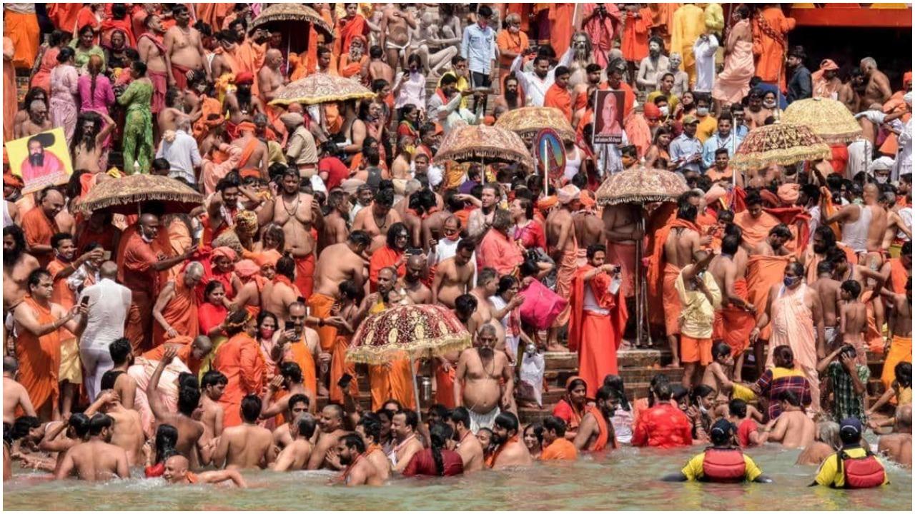 Haridwar Mahakumbh 2021 : महानिर्वाणी अखाड़े से जुड़े महामंडलेश्वर  कपिल देव का कोरोना से निधन, शाही स्नान में शामिल होने आए थे हरिद्वार