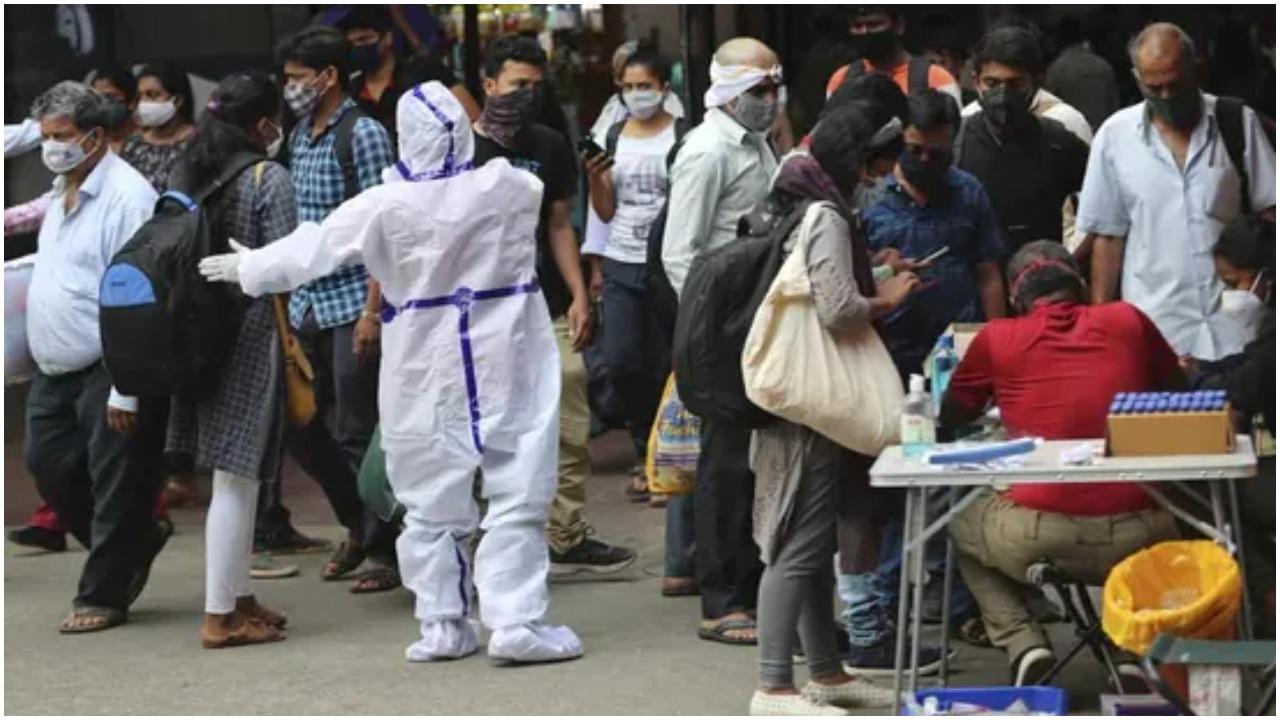 Delhi में कोरोना का कहर : बीते 24 घंटे में कोरोना संक्रमण के  18043 नए मामले आए सामने, 448 मरीजों की हुई मौत