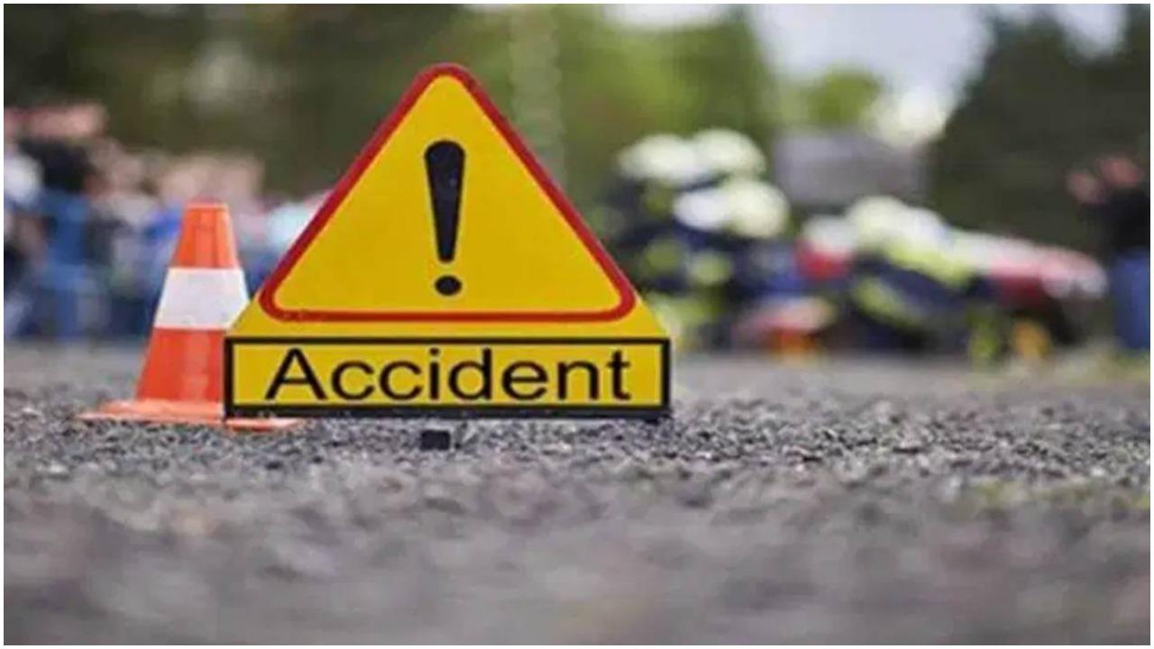 पाकिस्तान में बस दुर्घटना में 18 लोगों की मौत