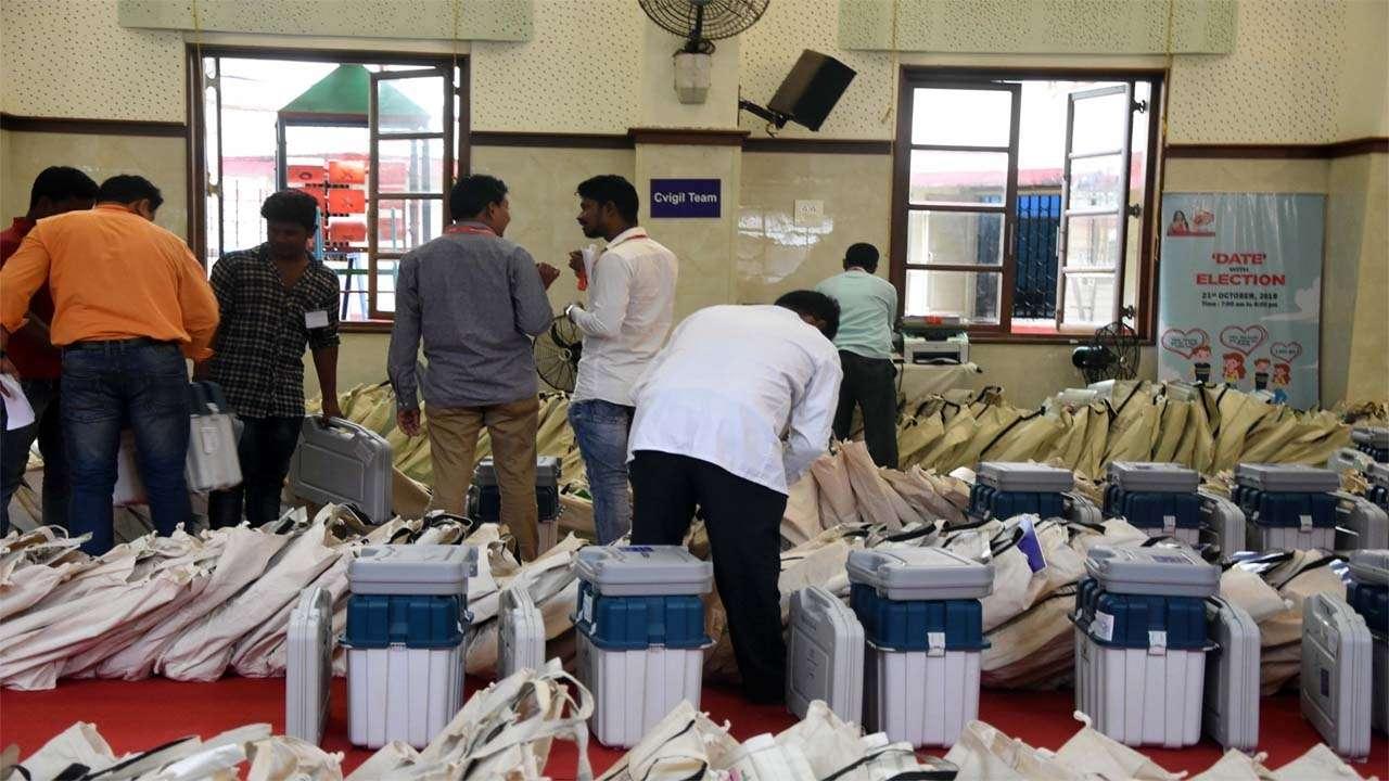 उत्तर प्रदेश : पंचायत चुनाव ड्यूटी के दौरान मृत कर्मियों के आश्रितों को सरकार देगी 30-30 लाख रुपये