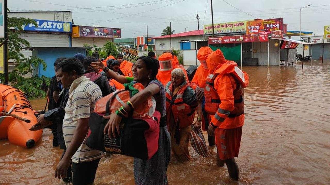महाराष्ट्र में बारिश बनी मुसीबत, अलग-अलग हादसों में अब तक 47 की मौत,  पीड़ितों के लिए मुआवजे का ऐलान